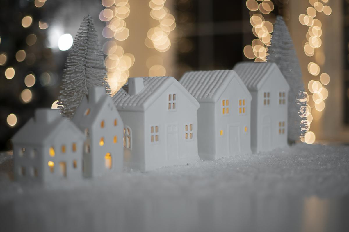 Top Tips at Christmas for Landlords - Make Ur Move Online Letting Platform