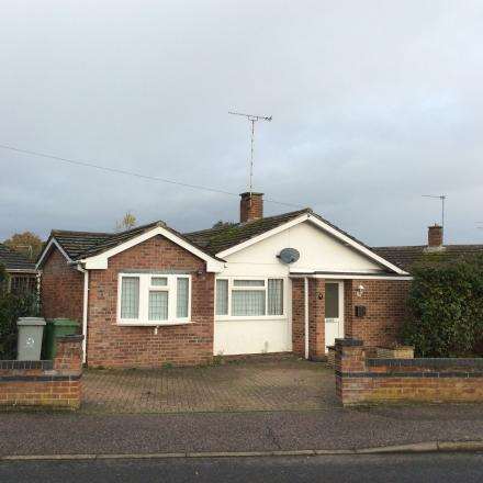 1 Firtree Road Norwich NR7 9LB 3 bedrooms Detached