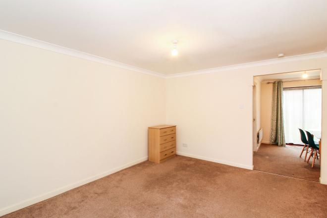 9 Beaulieu Avenue LONDON E16 1TS 3 bedrooms Terrace
